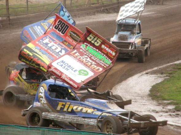 Frankie leads Stu Smith