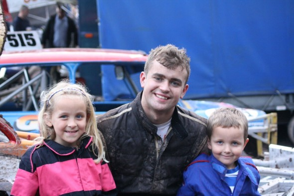 Kayleigh & Lewis Smith are mad Wainman fans, and after getting their photo with Frankie they decided they wanted the full set.