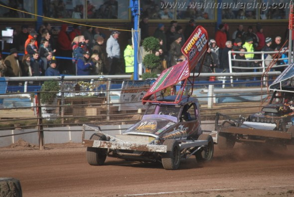Belle-Vue-1-April-2013-Vic-Peake-03