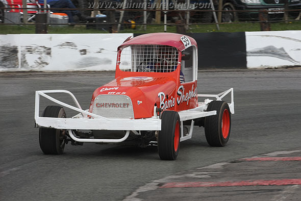 Frank Senior putting the Barrie Sheppard Heritage car through it's paces. (SJS)