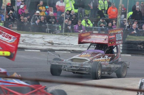 Having some problems with the tar car so we gave the shale car a run at Skegness.  (MF)