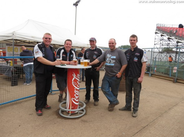 Rob having a beer with some of the lads at the 2013 World Final.