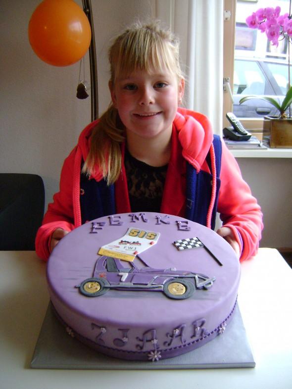 Femke with her 515 birthday cake.